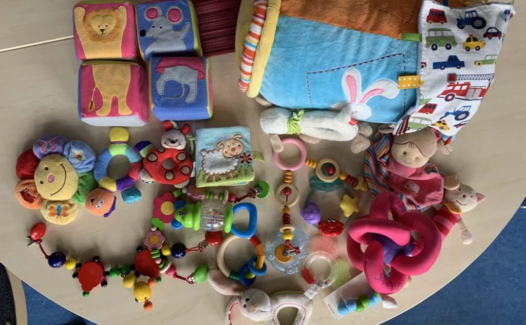 Spielzeugspenden für die Frühförderung